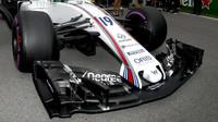Přední křídlo vozu Williams FW38 - Mercedes před závodem v Kanadě