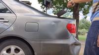 Jednoduchý trik vám poradí, jak se snadno zbavit drobných promáčklé karoserie