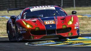 Nezapomenutelný souboj mezi Ferrari a Fordem pokračuje - anotační obrázek