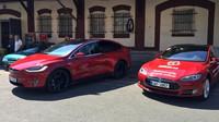 Společnost Alza.cz zahájila prodej elektromobilů Tesla