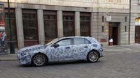Mercedes-Benz třídy A 2018 vyfocen během jízdy po Praze
