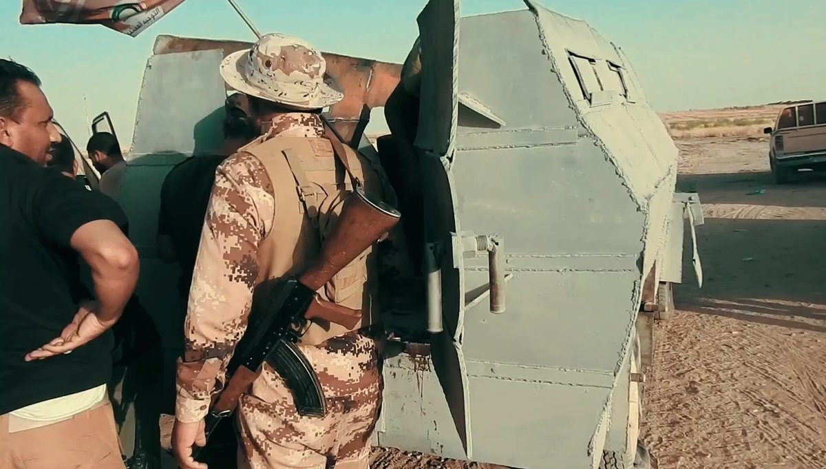 Toyota Hilux upravená na obrněný transportér