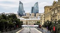 GRAFIKA: Startovní rošt v Baku po penalizacích Alonsa, Sainze a Vandoornea - anotační foto
