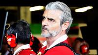 Maurizio Arrivabene pozorně sleduje kvalifikaci v Baku