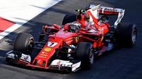 Kimi Räikkönen v kvalifikaci v Baku