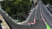 Hamilton dominuje ve všech sektorech, na rovinkách nejrychlejší Red Bull - přes 356 km/h - anotační foto