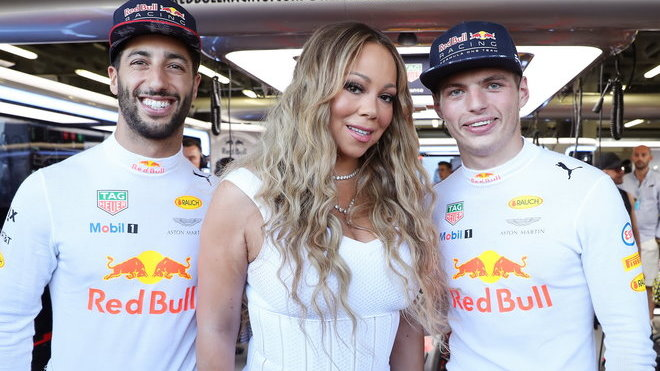 Daniel Ricciardo, Mariah Carey a Max Verstappen před závodem v Baku