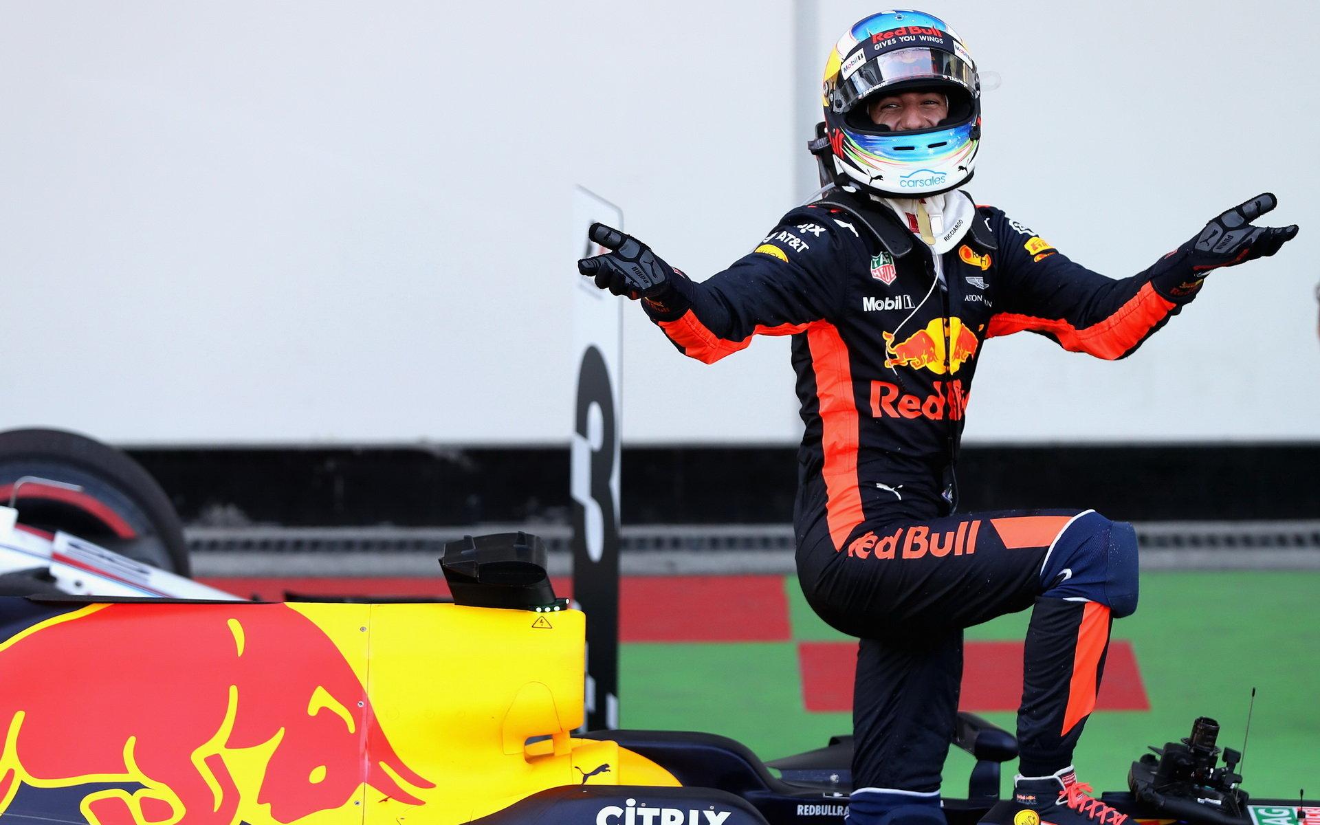 Daniel Ricciardo má popáté za sebou umístění na stupních vítězů