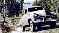 GAZ-M72 Pobeda bývá často označován za první moderní SUV, zejména díky kombinaci samonosné karoserie a pohonu 4x4
