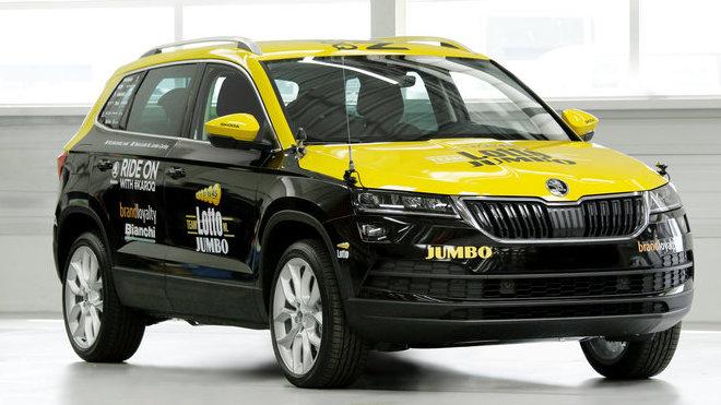 """Servisní vůz Škoda Karoq pojede v první etapě Tour de France v Düsseldorfu např. pro nizozemský tým """"Lotto NL – Jumbo""""."""