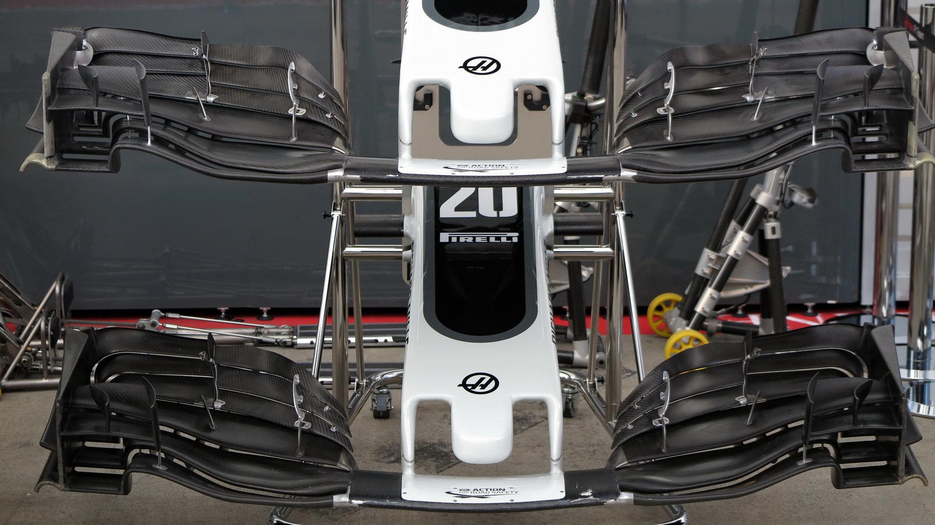 Na fungování brzd má vliv i aerodynamika včetně předního křídla, to je u Haasu samozřejmě odlišné