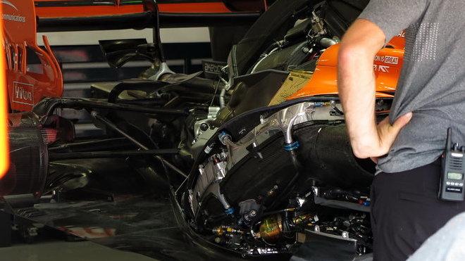 Honda před 3. tréninkem Alonsovi vrátila předchozí specifikaci pohonné jednotky