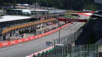 Přípravy na trati a v okolí na závodní víkend Velké ceny Rakouska