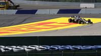 Romain Grosjean při pátečním tréninku v Rakousku