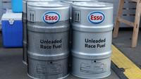 Barely závodního benzínu pro Formule 1 v Rakousku