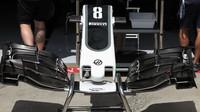 Přední křídlo vozu Haas v Rakousku