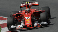 Kimi Räikkönen v závodě v Rakousku