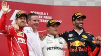 Nejlepší jezdci na pódiu po závodě v Rakousku