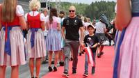 Valtteri Bottas při prezentaci před závodem v Rakousku