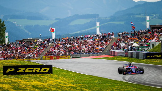 Carlos Sainz v závodě v Rakousku