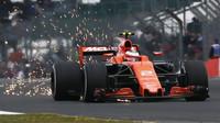 Stoffel Vandoorne s McLarenem - Hondou byl v Silverstone na rovinkách nejpomalejší