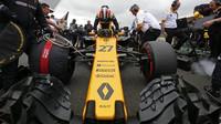 Renault kvůli