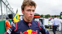 Daniil Kvjat před závodem v Silverstone