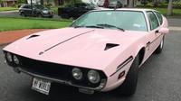 Jedinečné růžové Lamborghini Espada z roku 1974