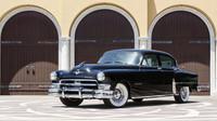 1953 Chrysler Custom Imperial - jeden z prvních automobilů vybavený klimatizací