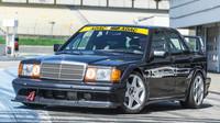 Nově postavený Mercedes-Benz 190E