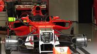 Odstrojené Ferrari SF70H