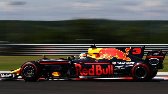 Daniel Ricciardo v Maďarsku zatím bezkonkurenční