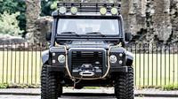 Land Rover Defender SVX Concept / Spectre Defender