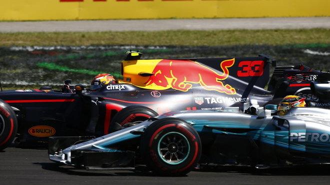 Max Verstappen s souboji s Lewisem Hamiltonem v Maďarsku