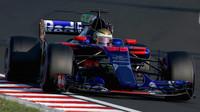 Sean Gelael první den vůz Toro Rosso STR12 - Renault v Maďarsku