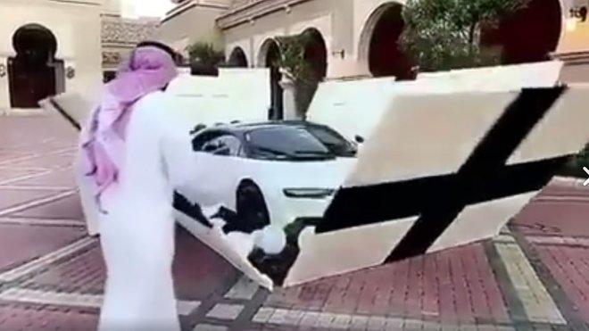 I takto může vypadat rozbalování Bugatti Chiron