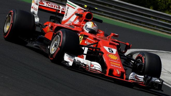 Sebastian Vettel testuje v Maďarsku