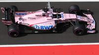 Nikita Mazepin testuje druhý den vůz Force India VJM10 - Mercedes v Maďarsku