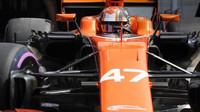 Lando Norrs testuje druhý den vůz McLaren MCL32 - Honda v Maďarsku