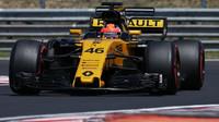 Robert Kubica při testech s Renaultem RS17 v Maďarsku