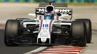 Lance Stroll testuje první den vůz Williams FW38 - Mercedes v Maďarsku