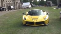 Ferrari LaFerrari se proměnilo v zatraceně drahou hračku pro údržbu trávníku