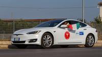 Tesla Model S 100D s rekordním dojezdem 1078 km na jedno nabití