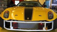 Z Ferrari 599 vznikl skutečně extrémní driftovací nástroj