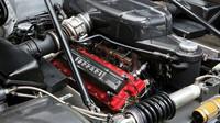 Atmosferický motor V12 po kapotou Ferrari Enzo