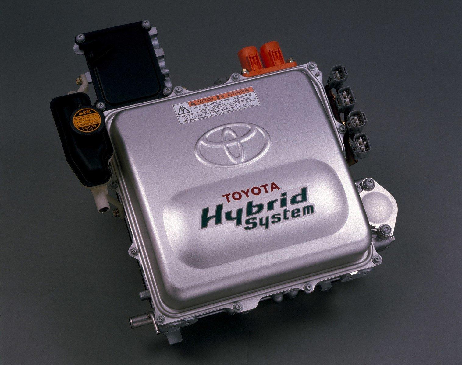 Ilustrační foto, pohonná jednotka Toyoty Prius z roku 1997