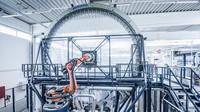 Kvůli výrobě těchto kol muselo Porsche vybudovat největší splétací stroj na karbonová vlákna, jeho průměr dosahuje 9 metrů