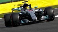 Mercedes letos už slabiny svého vozu nevyřeší, připouští Hamilton - anotační obrázek