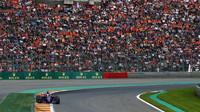 Fanoušci Maxe Verstappena počas závodu v Belgii