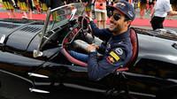 Daniel Ricciardo při prezentaci před závodem v Belgii